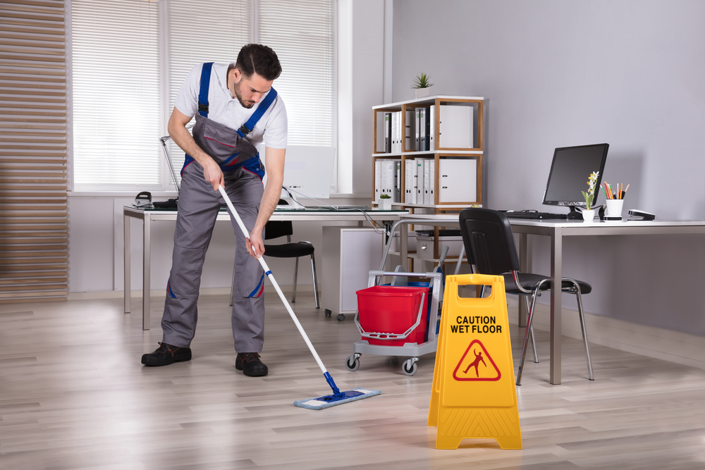 4 Benefits of Hiring an Cleaning Service For Your Office