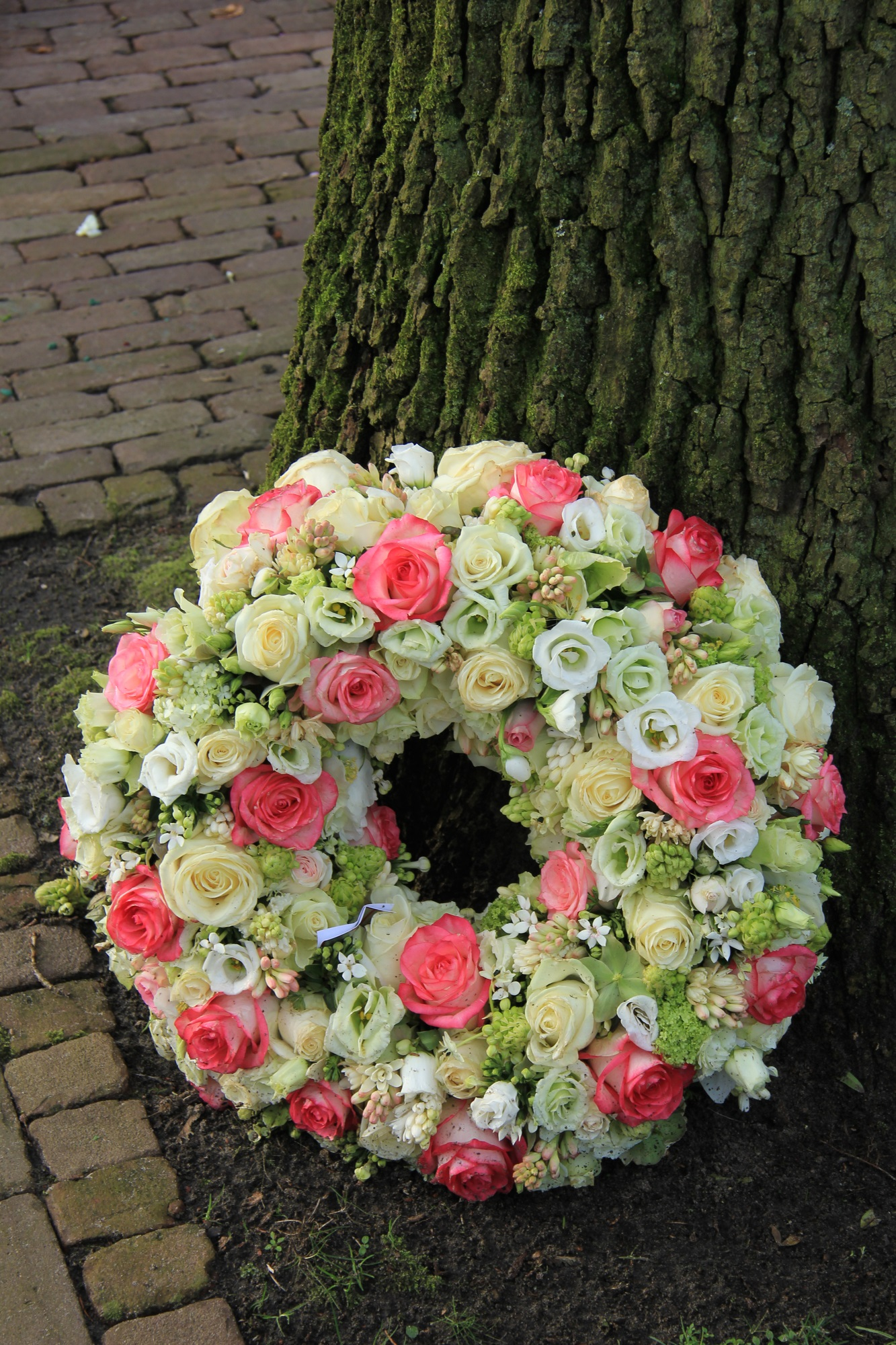 How Do Funeral Flowers Differ Among Cultures Sweet Woods Memorials