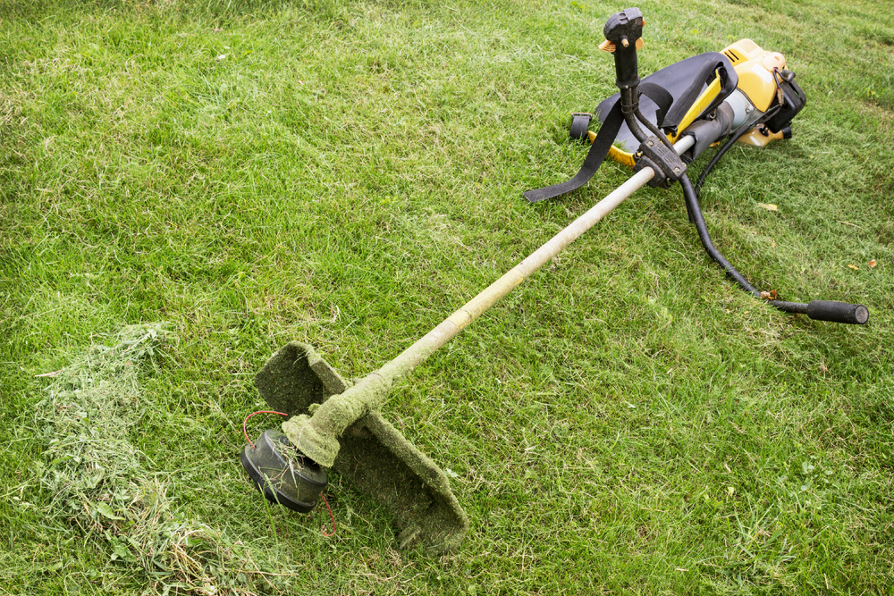 3 Ways to Keep Your Weed Wacker Line From Breaking - The