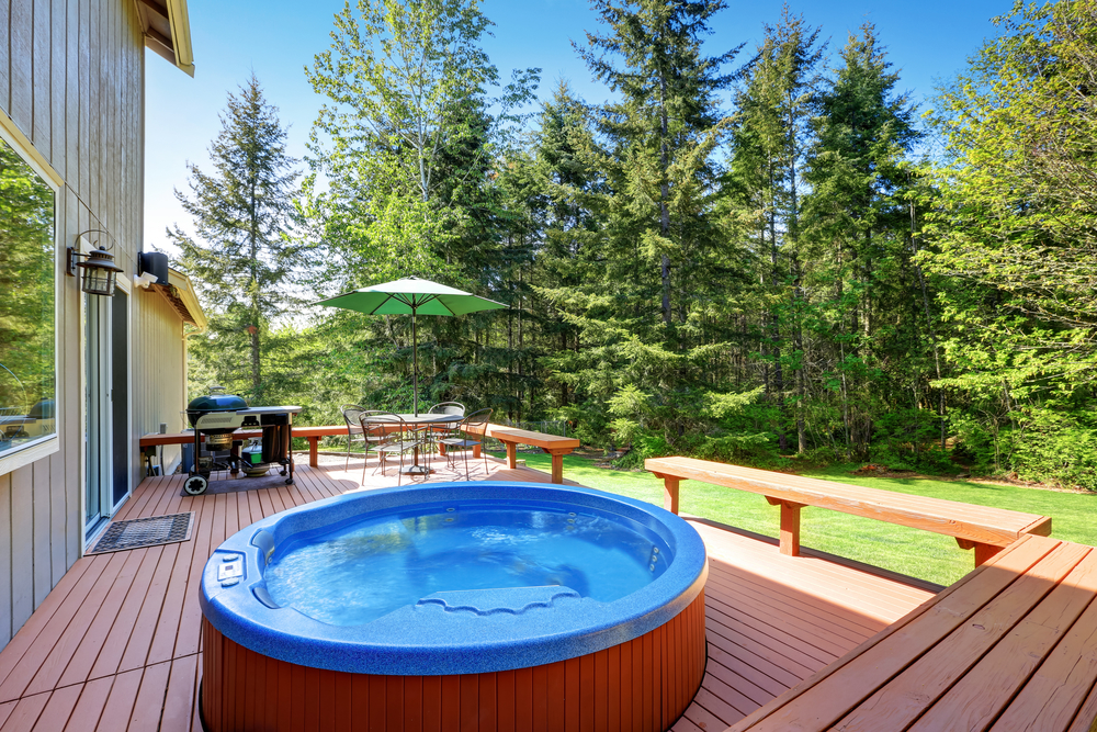 4 Important Health Benefits of Soaking in a Hot Tub - Maui ...