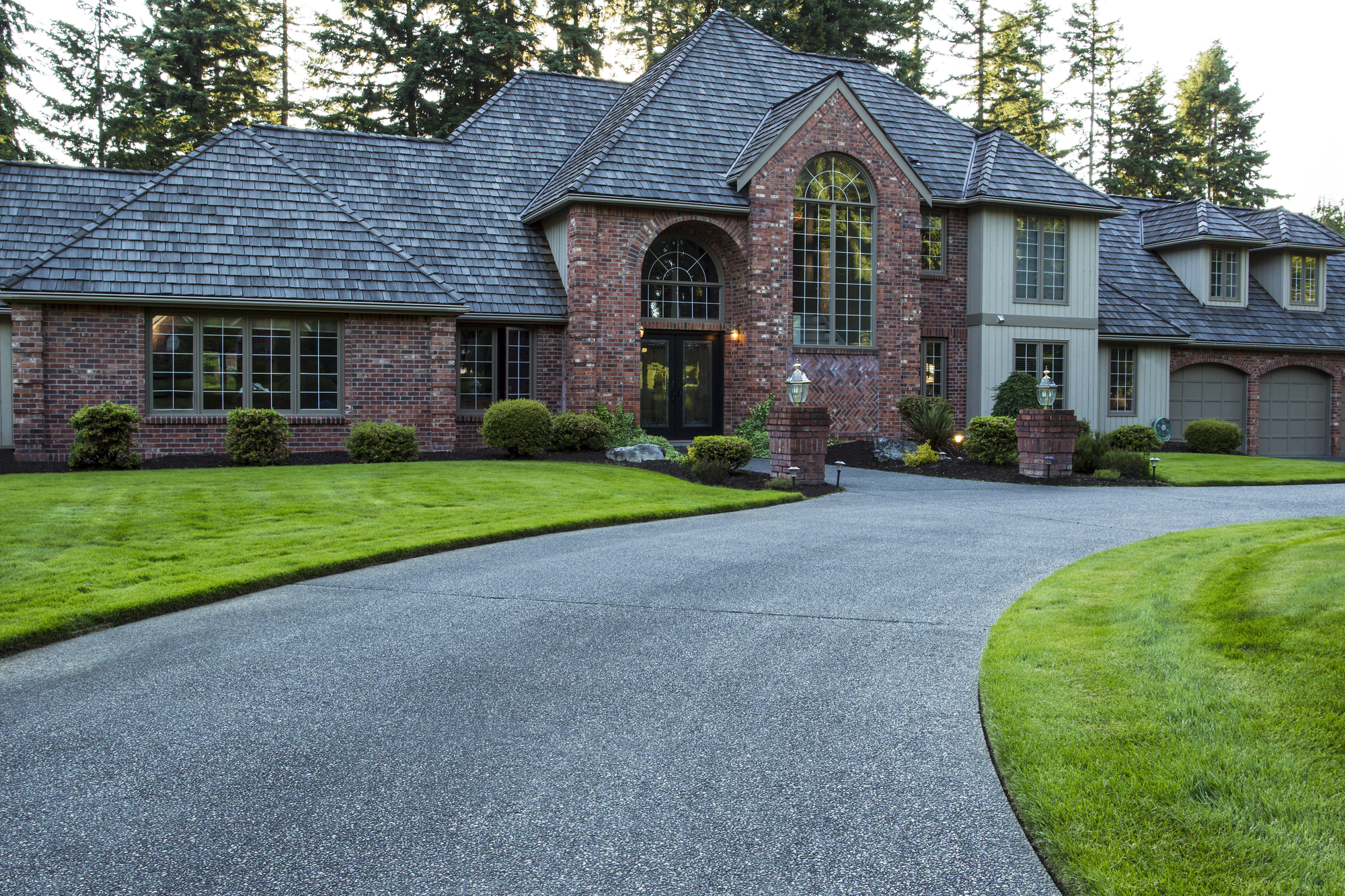 3 Driveway Landscaping Ideas Lawn Innovations Moraine Nearsay