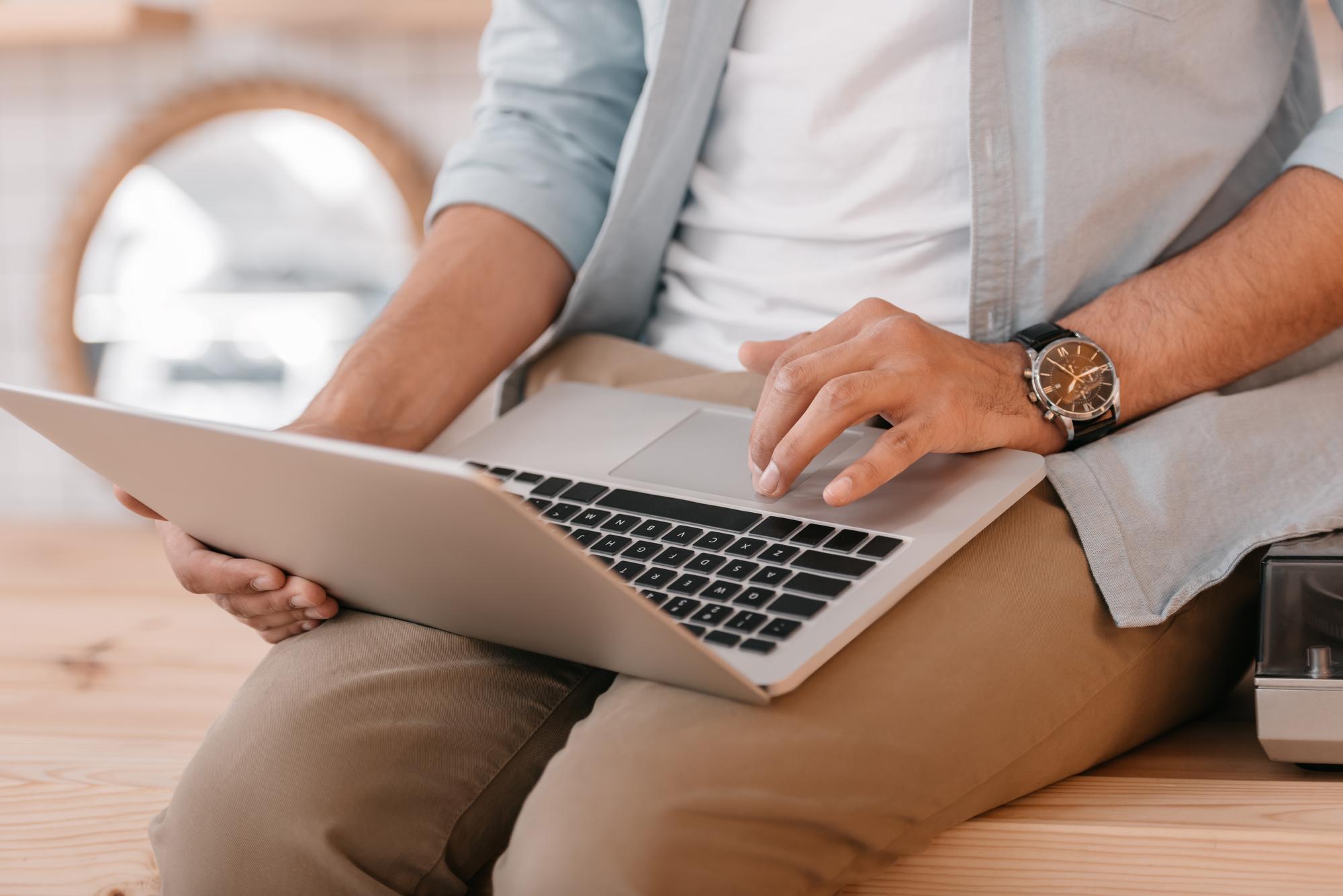 used macbook laptop