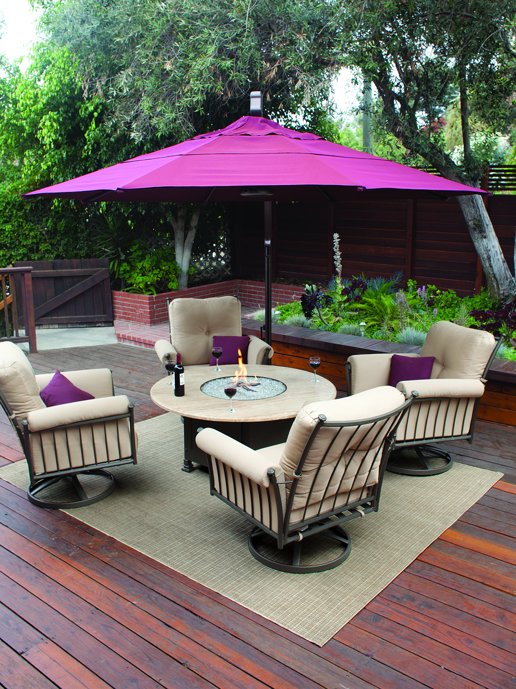 Leather Furniture Experts fer 3 Tips for Choosing the Best Outdoor Sets W
