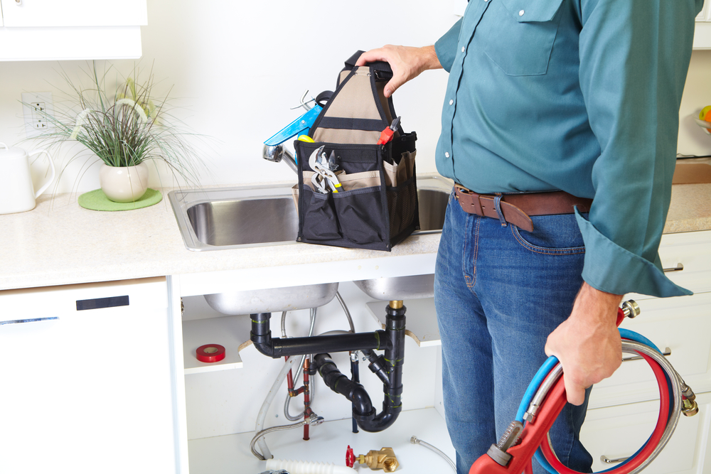 3 Kitchen Sink Problems Easily Fixed By a Plumber - Murphy\'s ...