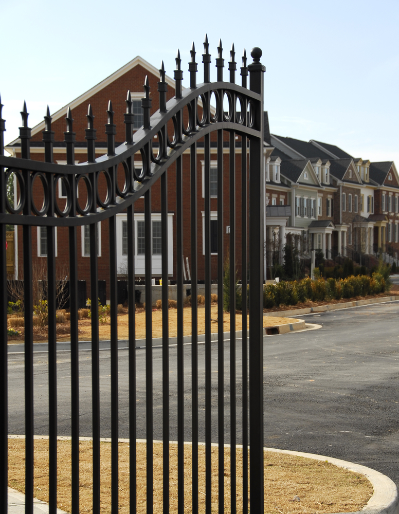 4 Ways A Motorized Gate Increases Your Home 39 S Security