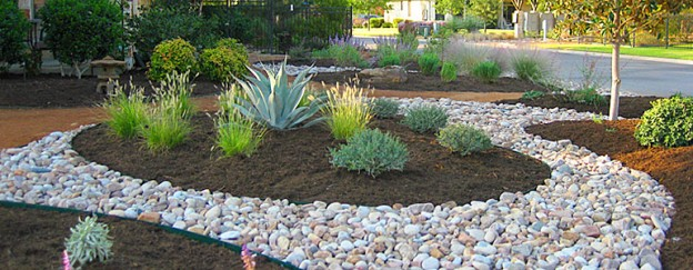 Decorative Stones For Flower Beds : Choosing the right landscaping materials pea gravel or