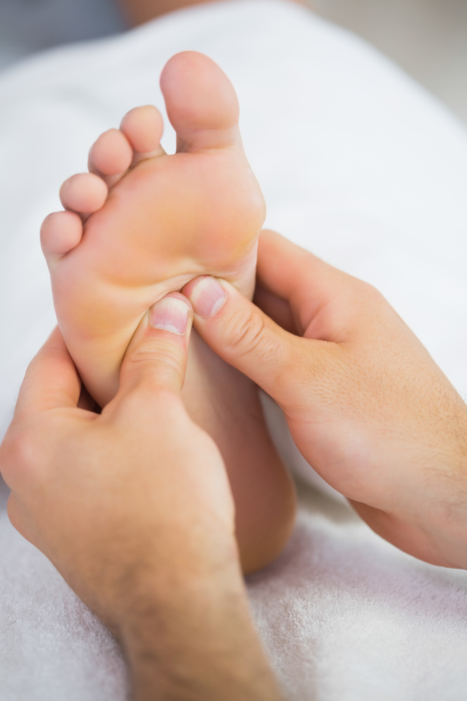 What's the Difference Between Men's Massage & Reflexology