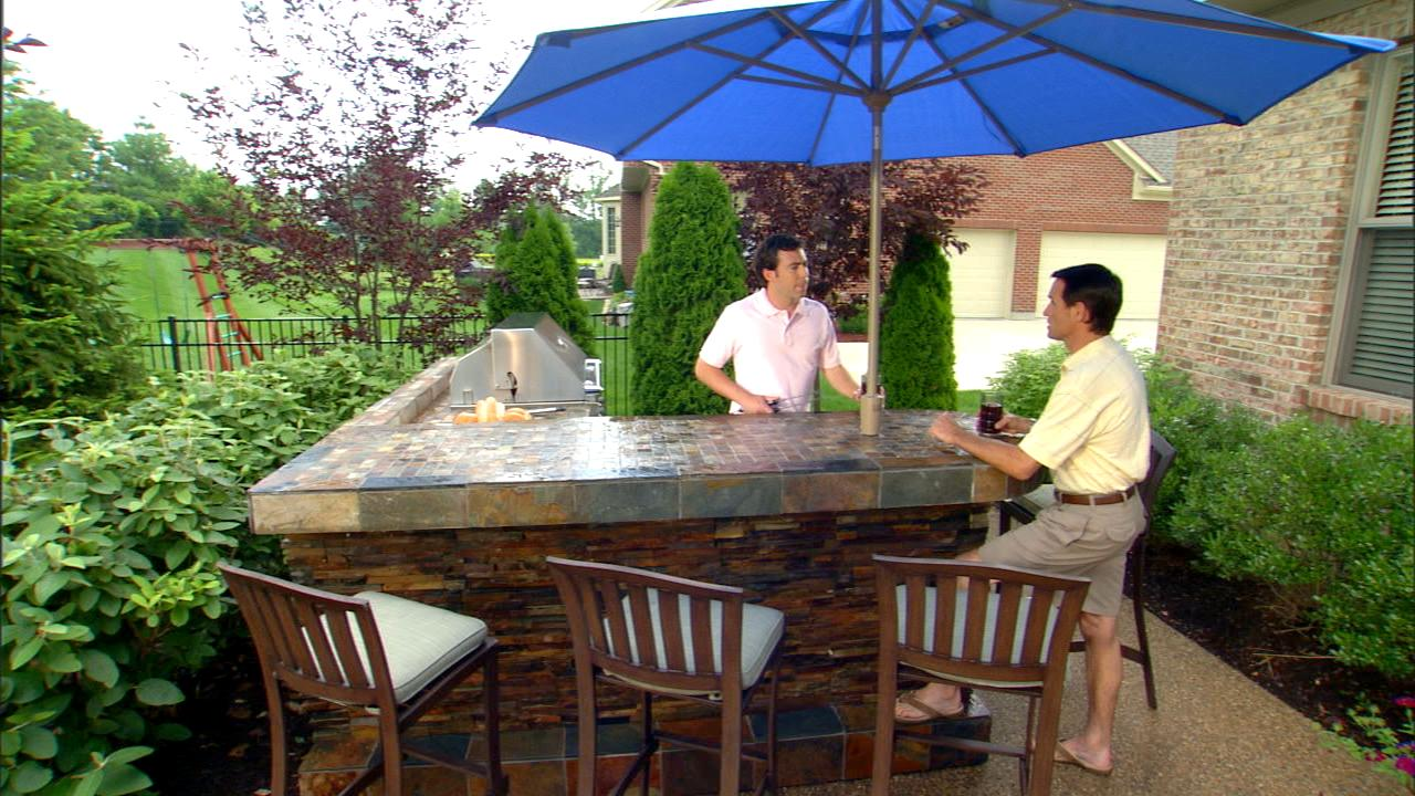3 Outdoor Kitchen Design Tips From Patio Furniture Experts