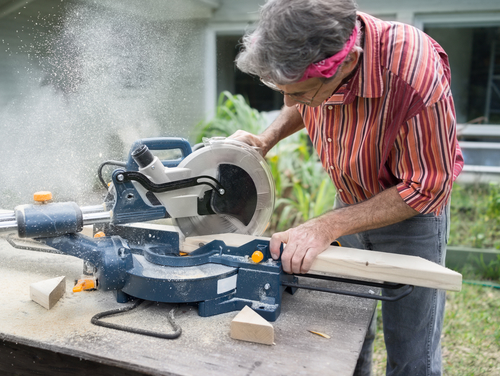 For Home Improvement Projects A Miter Saw Is Invaluable While You Can Certainly Use Handsaw To Make The Necessary Cuts This Tool Will Save