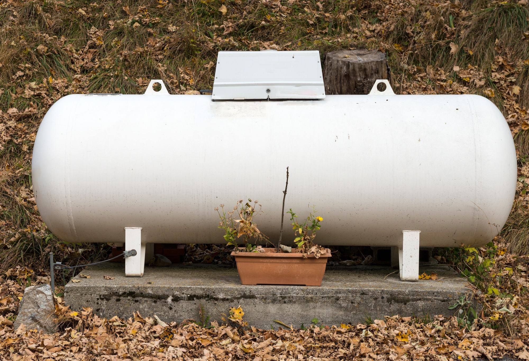 How to Check the Propane Gauge Before a Refill - Owens Energy - Show