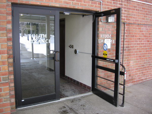 Commercial Storefront Glass Doors : Glass window repair experts explain their commercial