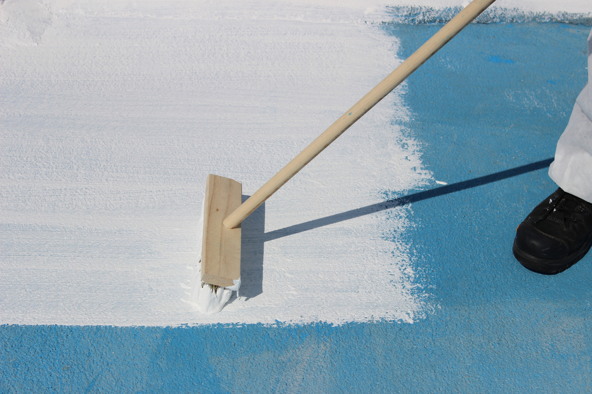 Everroof Manufactures A Variety Of Restorative Roof Coating Solutions Including Acrylic Silicone And Urethane The Systems Are Designed For Flat