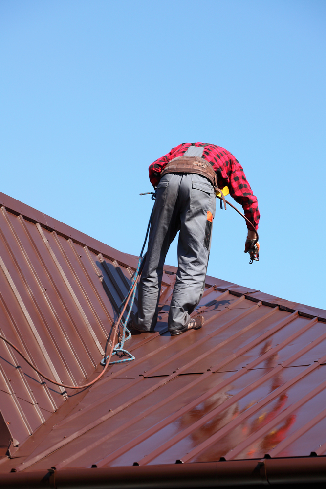 The top tips for choosing the right roof contractor for Roof right