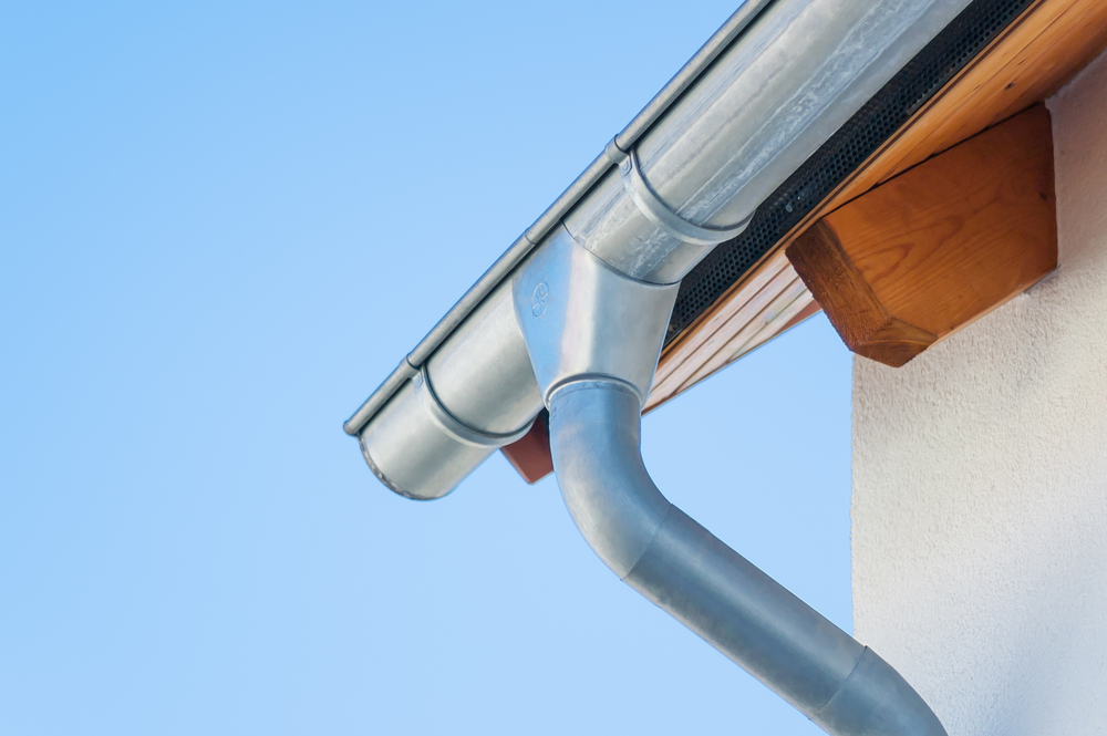 3 reasons to install seamless gutters on your home m m roofing siding llc monroe nearsay - Reasons get roof cleaned ...