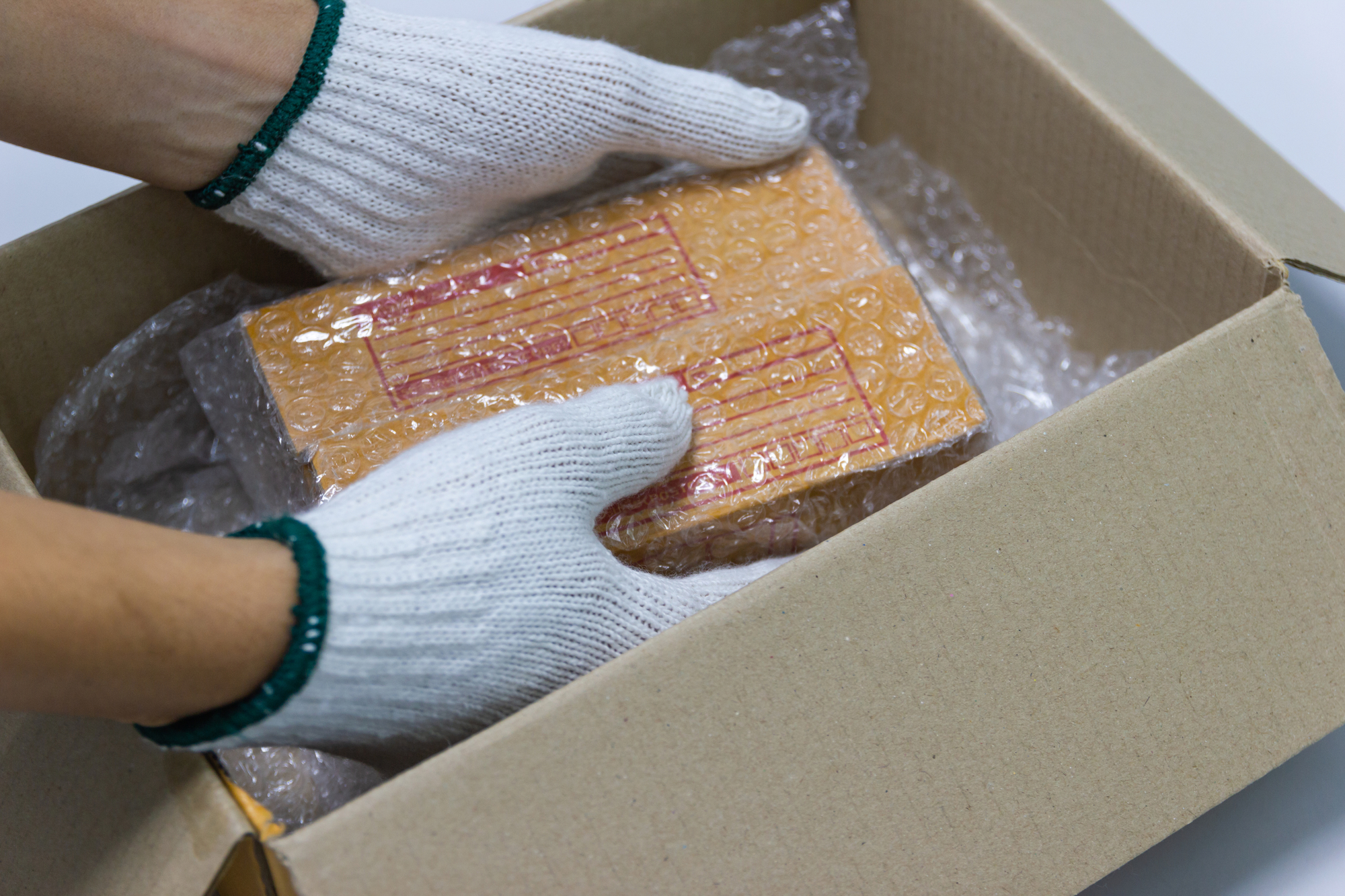 3 Ways to Package Fragile Items for Storage - Affordable Lock Box -  Texarkana | NearSay