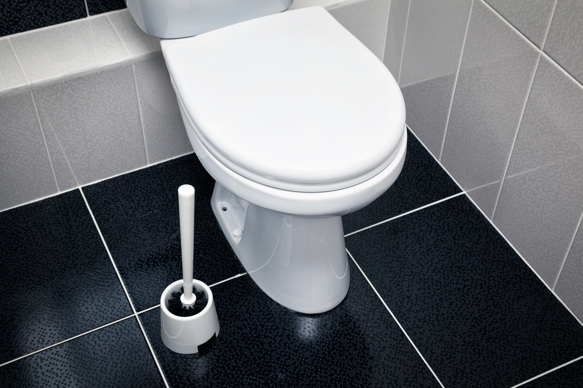 3 Possible Reasons Why Your Toilet Is Leaking at the Base