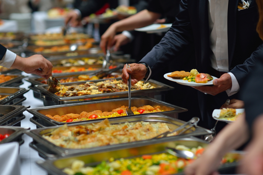 3 Advantages Of Having A Buffet Meal At Your Wedding Reception Venue