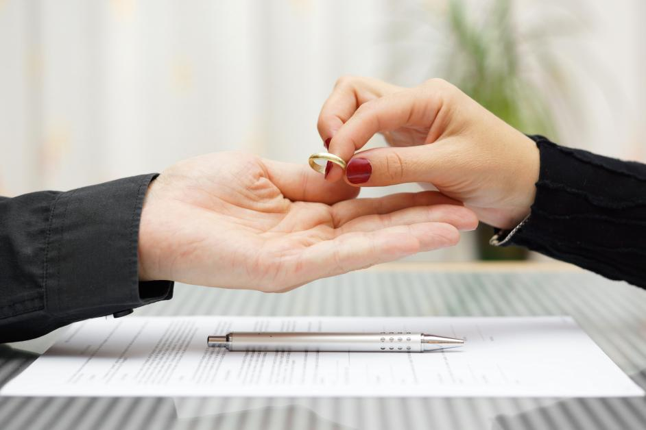 5 Tips for Finding the Right Divorce Attorney - Hodge Law Firm ...