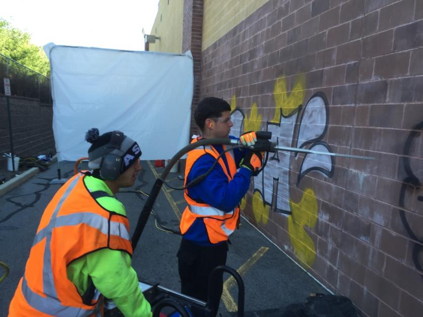 The benefits of hiring a professional graffiti removal