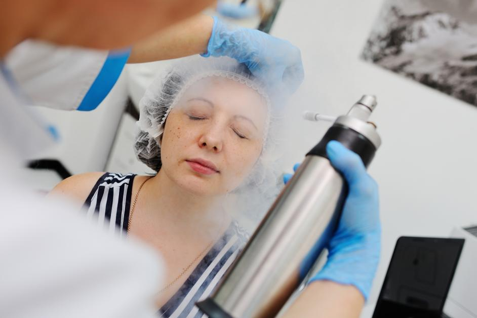5 Ways a Cryofacial Could Renew Your Look - Revitalize Cryo