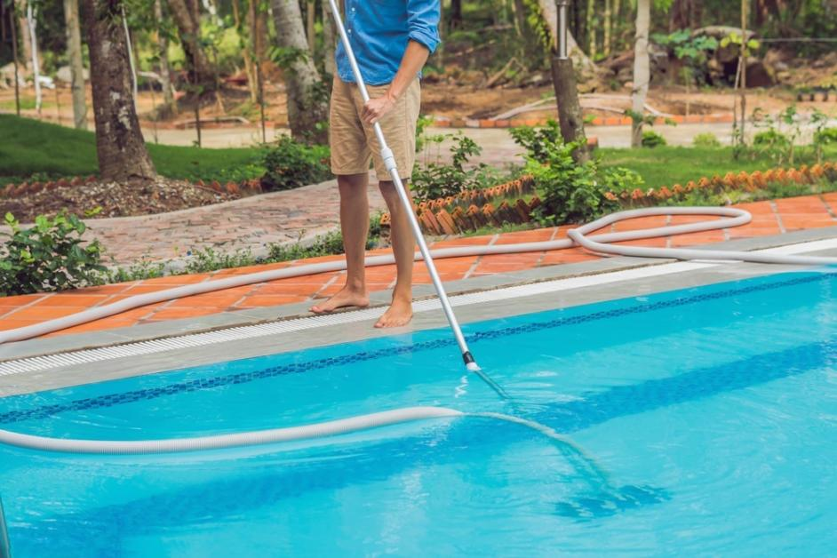 5 Tips to Keep Your Swimming Pool Clean & Balanced - B & H ...