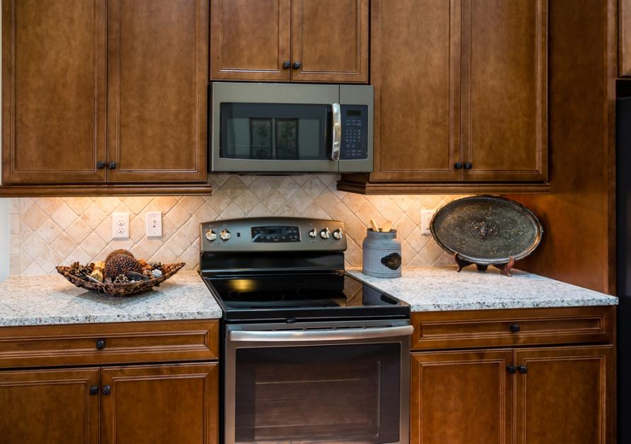 5 Tips For Matching Kitchen Cabinets & Countertops