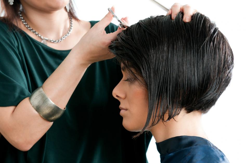 Mens Womens Haircuts 3 Reasons To Visit A Local Salon Over A