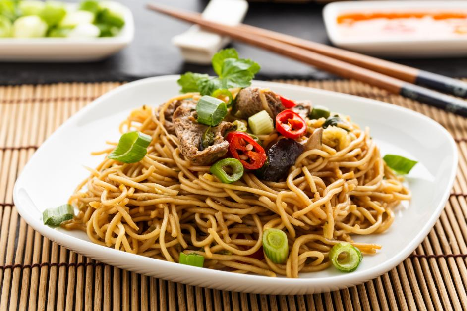 A Guide To Chow Mein And Lo Mein Noodles Hong Wah Restaurant