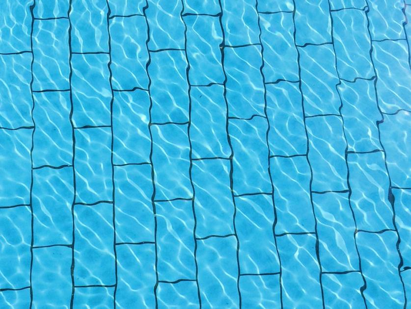 3 Reasons It\'s Important to Fix Pool Tile Problems ...