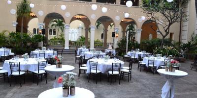 Using the Same Wedding Venue for the Ceremony & Reception, Honolulu, Hawaii