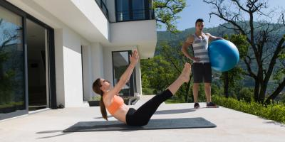 3 Benefits of Hiring a Personal Trainer for At-Home Workouts, Manhattan, New York