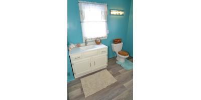 Yeagley Bathroom, Alliance, Ohio