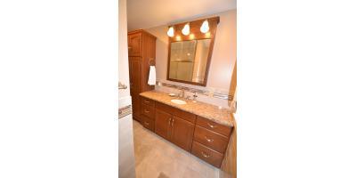 Weibush Bathroom, Alliance, Ohio