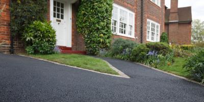3 Factors That Can Damage an Asphalt Driveway, West Bloomfield, New York