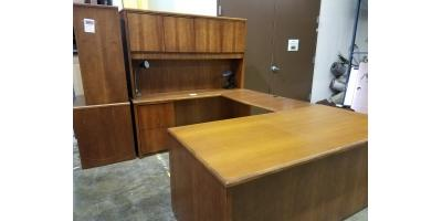 ALL DESKS, CREDENZAS AND CONFERENCE TABLES 25%-75% OFF, Maryland Heights, Missouri