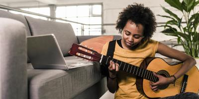 5 Key Signs That Your Electric or Acoustic Guitar Needs to Be Restrung , Centerville, Ohio