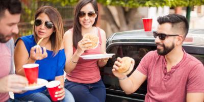 How to Eat 3 Common Tailgate Foods Without Making a Mess, Hempstead, New York