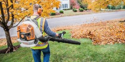 What's the Difference Between the STIHL BR 800 C-E Magnum® & the STIHL BR 800 X Magnum®, Englewood, Ohio