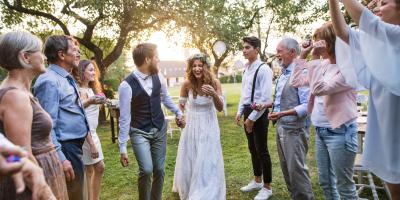 3 Ways To Involve Everyone In Wedding Receptions, Lake St. Louis, Missouri