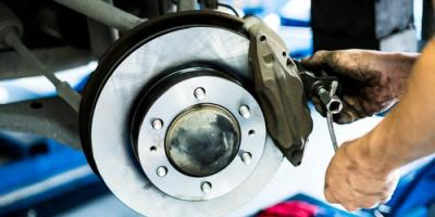 4 Signs Your Vehicle Needs New Brakes, Elk Grove, California