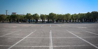 The Top 3 Signs Your Parking Lot Needs to Be Repaved, Brandenburg, Kentucky