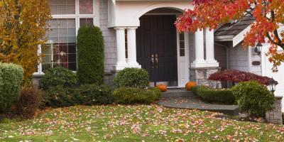 3 Reasons to Hire a Landscaper for Leaf Removal, Brookfield, Connecticut