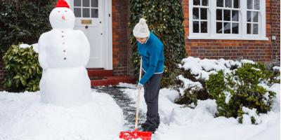 How to Prevent Back Pain From Shoveling Snow, Canandaigua, New York