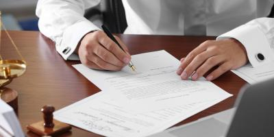 What Is the Difference Between a Will & Trust?, Chariton, Iowa