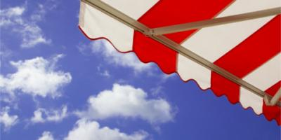 3 Reasons to Consider a Retractable Awning For a Back Patio, Cleveland, Tennessee