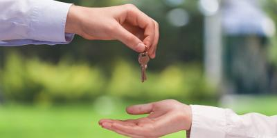 Closing Title Company Explains the Difference Between an REO & Traditional Closing, Burnsville, Minnesota