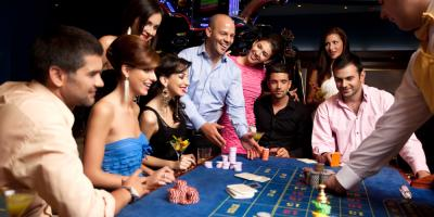 3 Benefits of Purchasing a Group Casino Package With TLC Limousine, Terryville, Connecticut