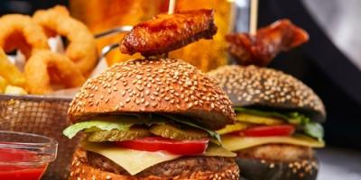 Burgers & Beyond: 5 American Food Classics to Satisfy Your Cravings, New Haven, Connecticut