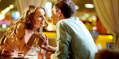 3 Reasons Why a Seafood Happy Hour Is an Excellent Date Idea, Manhattan, New York