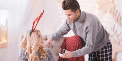 Looking at Engagement Rings? The Do's & Don'ts for Holiday Proposals, Newport-Fort Thomas, Kentucky